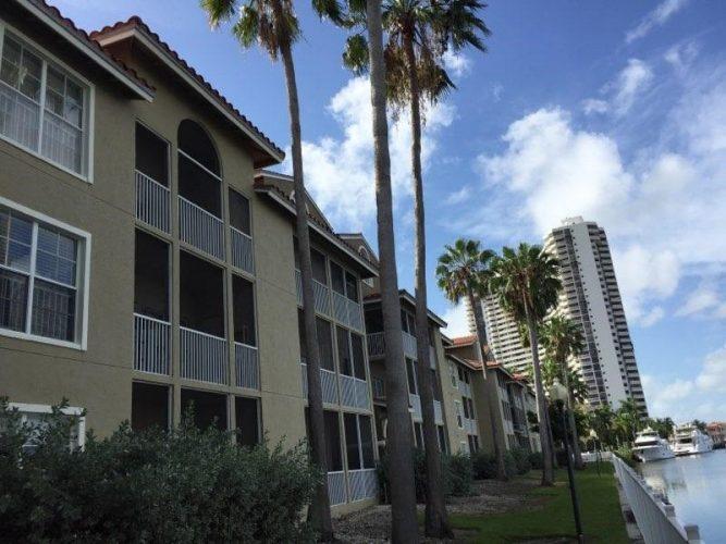apartment stucco paint balcony exterior renovation(3)