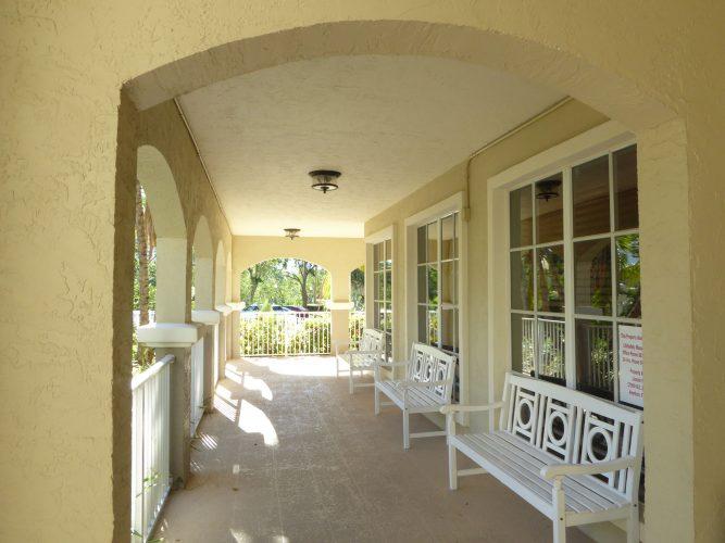 apartment stucco paint porch lenai exterior renovation(1)