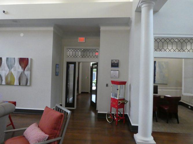 transom lobby